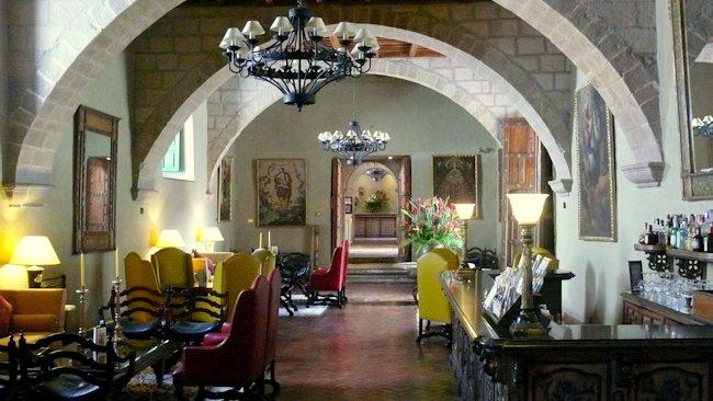 Peru-Monasterio-Hotel-bar