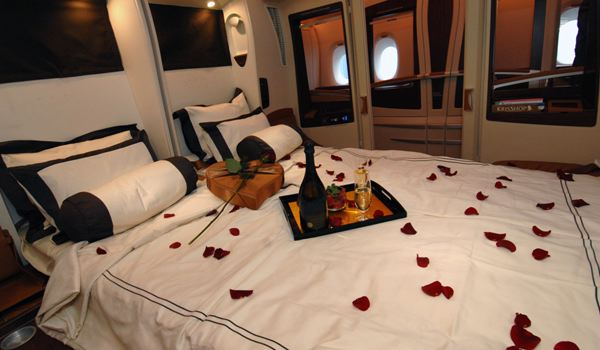 Luxurious flight experience with singapore airlines the for First class suite airline