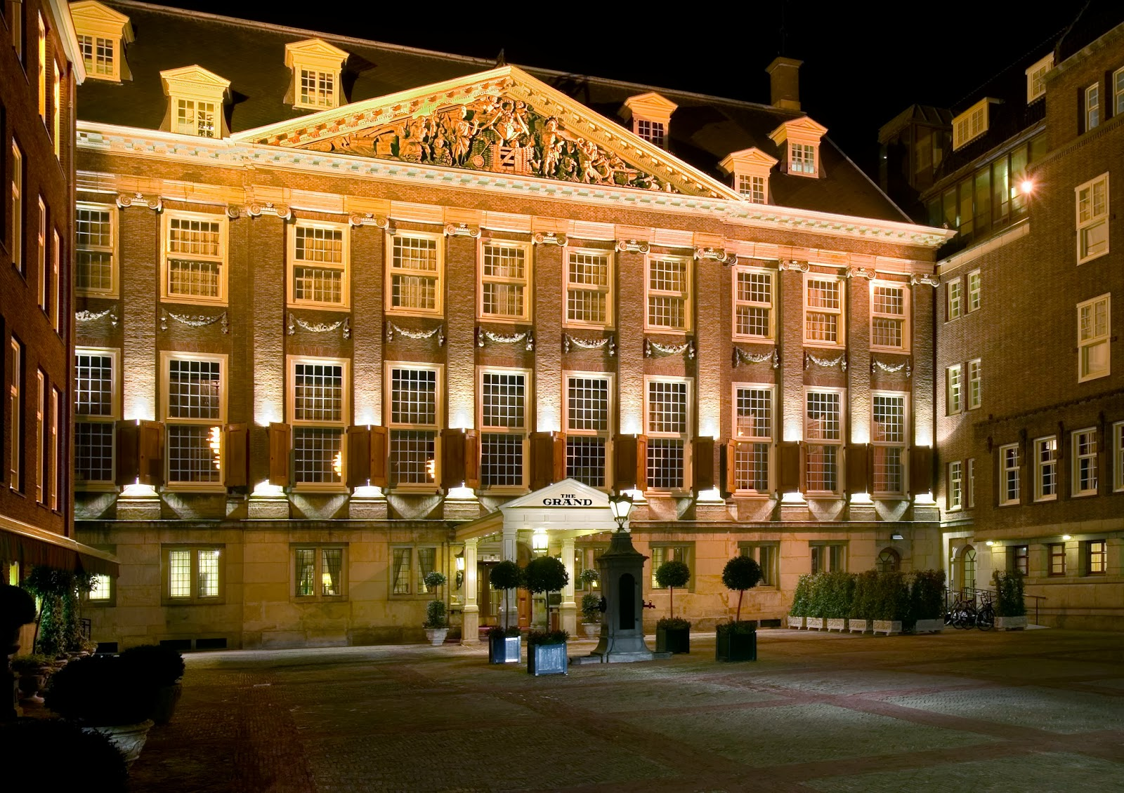Top 5 luxury hotels in amsterdam the luxury post for Best luxury hotel in amsterdam