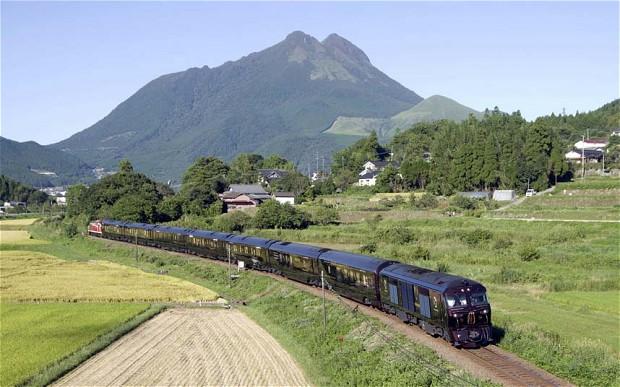 japan-train-glory_2691187b