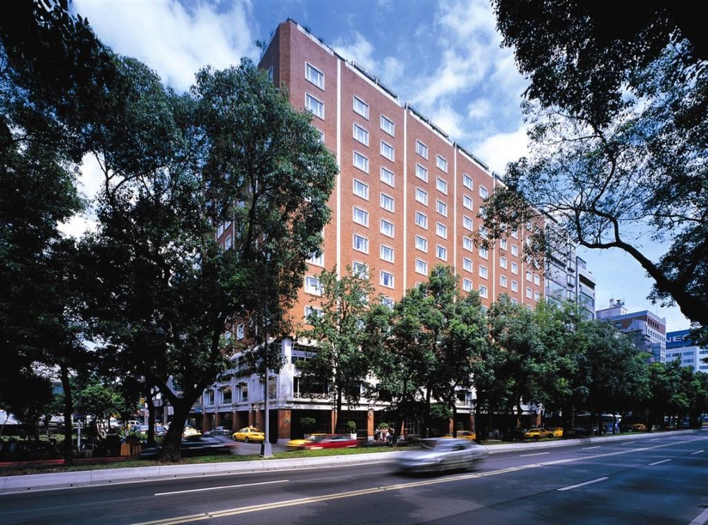 Hotel Royal Taipei - Outside