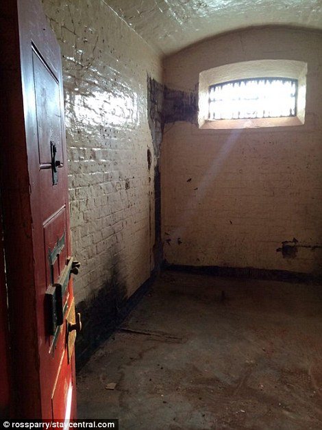 Bridewell cells are decrepit and disgusting
